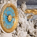 Dans la cour de Marbre, à droite de l'horloge, on découvre une copie de Mars au repos, dont l'original a été malheureusement détruit.